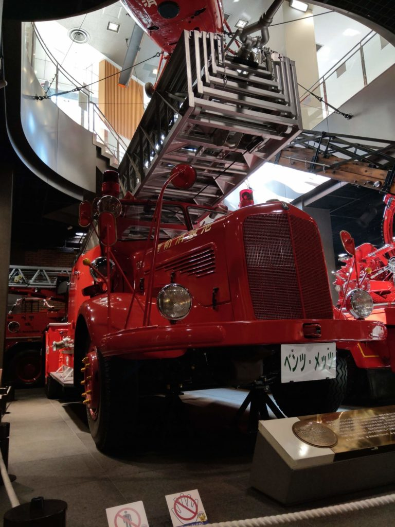 ベンツ製消防車